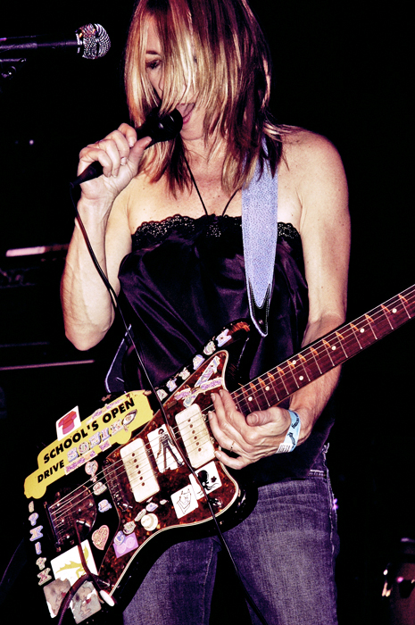 KIM GORDON / SONIC YOUTH